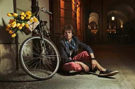 Тюльпаны, велосипед, мужчина